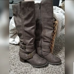 Mossimo grey tall boots